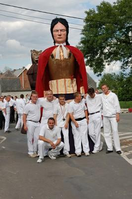 Bienvenu sur le blog du geant Vauban le Baptisseur et ses porteurs. Ce blog créé pour les 10 ans du géant ( 1997-2007) vous permettra de découvrir notre géant durant ses sorties en Belgique et à l'étranger. Bonne visite!!