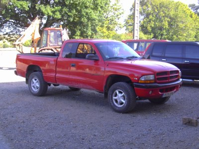 DODGE DAKOTA V6 SPORT