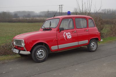 MA VL RENAULT 4 EX CPI PAMPROUX (79)