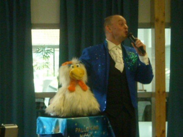 Nouveau numéro de ventriloquie, avec de nouvelles marionnettes (fin 2015) pour 2016