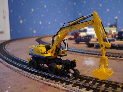 Grue rail/route liebherr 922