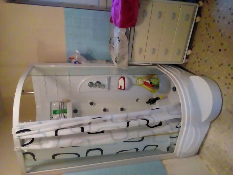 Ça y est douche  opérationnel  je n'irai plus chez ma mère ouf  , c'est de l'attente qui risque de durée mais c'est pas grave c'est mieux qu'une baignoire qui s'écoule plus et qui fuit