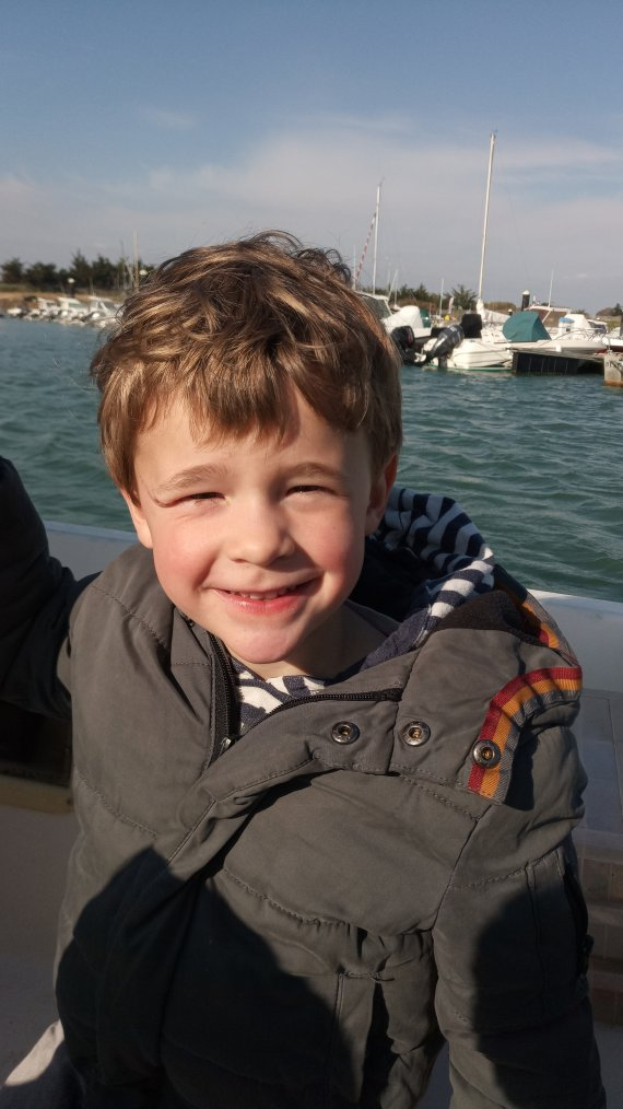 Première fois a la mer et dans un bateau pour mon petit voyou