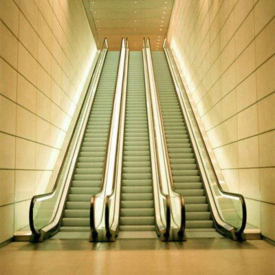 gravir un escalator en panne