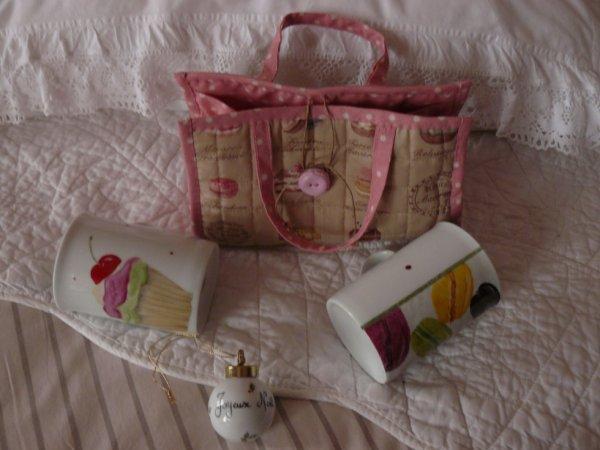 sac à mug et jolie porcelaine de laurence