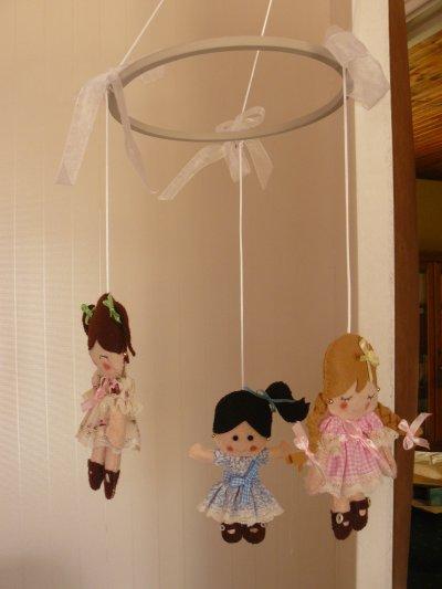 mes petites poupées  une rouquine , une tite blonde et une brunette.