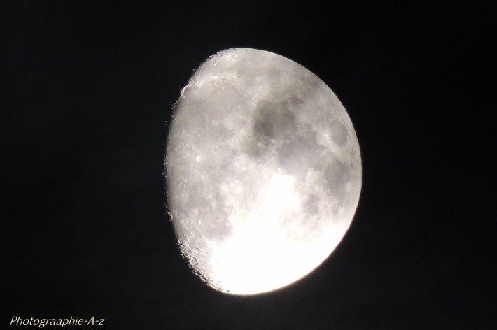 « Qui recherche la lune, ne voit pas les étoiles. »