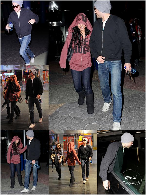 © Official-TheRealLife™  28/12/09  ※  Vanessa, Zac et Stella quittant un cinéma où ils ont vu le film Avatar à Universal CityWalk.  _