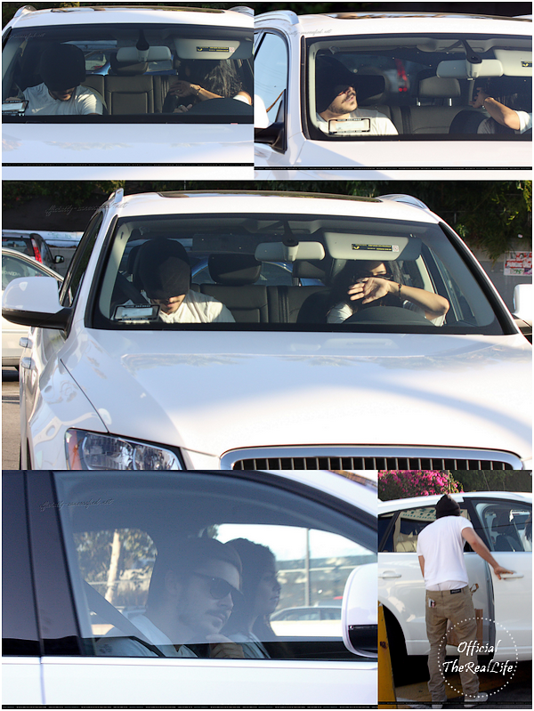 © Official-TheRealLife™  23/09/10  ※  Zac & Vanessa font du shopping à Urban Outffiters dans Los Angeles.  _