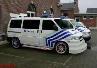 nous voici a bxl ou meme la police belge c'est lancer dans le tuning depuis 4 ans deja, qu'en penser vous??