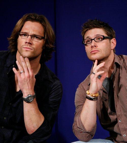Jensen et Jared avec des lunettes...