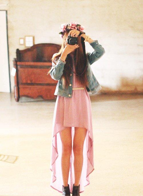 Ne regarde jamais en arrière. Si Cendrillon étais revenu en arrière pour ramasser sa chaussure jamais elle ne serais devenu princesse. #http://fireworksfeeling.skyrock.com/
