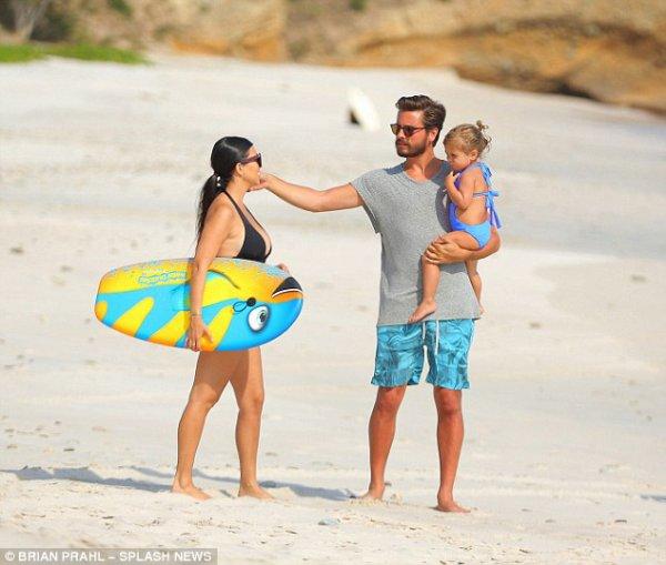 Kourtney Kardashian & Scott Disick & Leur Fille Penelope