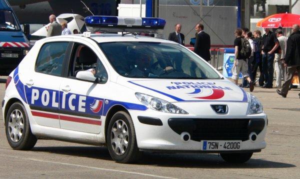 vehicule de la police nationale