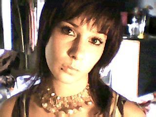 *Petite présentation* ( un visage parmi tant d'autres...mon visage...mais ça pourrait être un autre parce que tt le monde un jour pourrait s'y trouver)