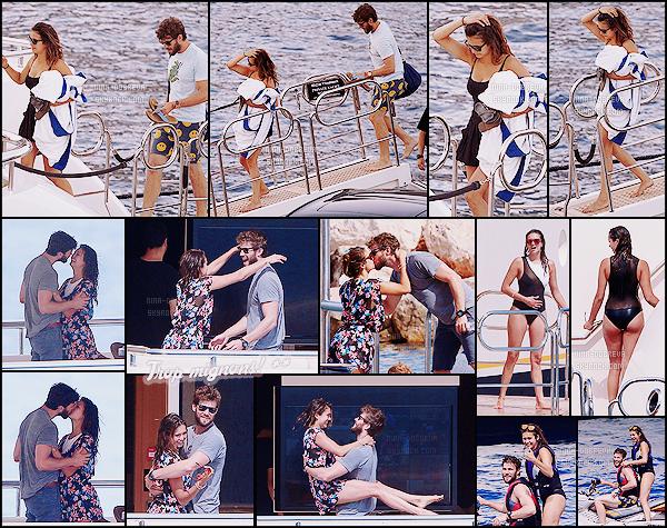 • Candids - 26/07/2015 : Nina Dobrev a quitté St Tropez et est désormais de passage à  Monaco ! Toujours à bord de son yacht, Nina débarque à Monaco pour y passer le week-end avec notamment son chéri Austin.