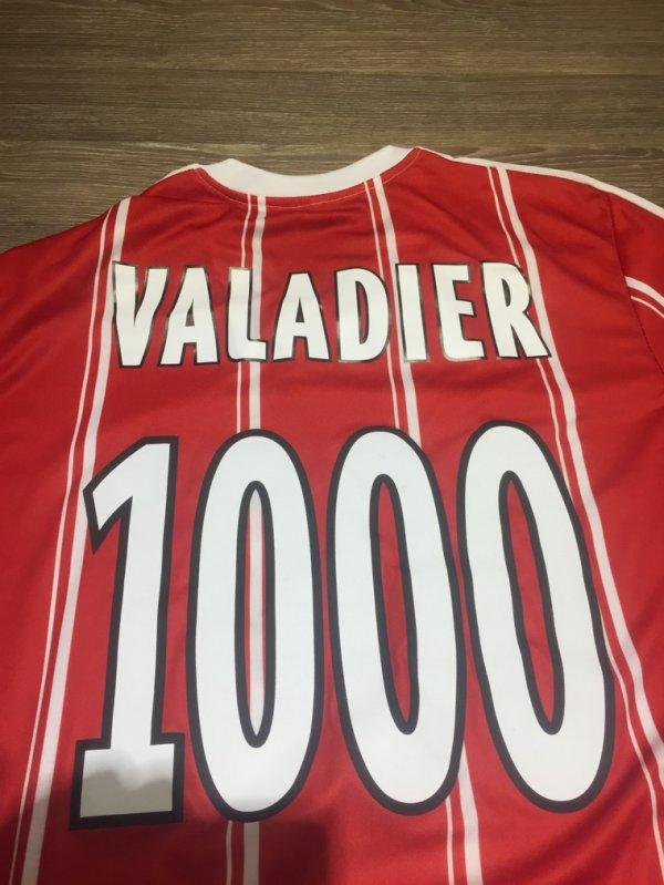 Maillot 253 offert par monsieur Valadier une grande star de la paillade merci