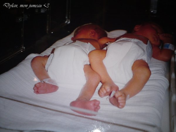 › Mon frère jumeau, Dylan. ♥