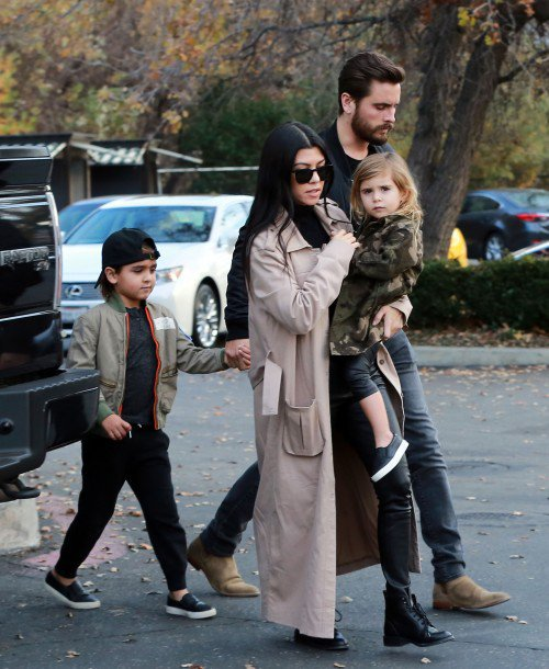 Kourtney Kardashian & Scott Disick & Leur Enfant