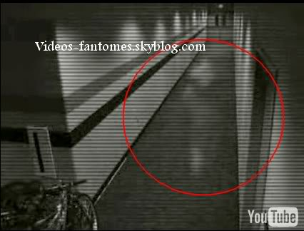 Un fantôme dans un couloir Durée : 42 sec Lieu : États-Unis Année :  19 Janvier 2005 Type : Vidéosurveillance