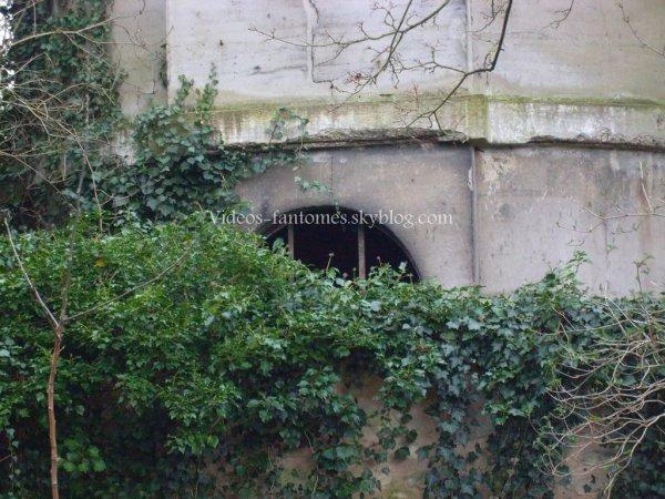 Notre propre vidéo - la tour hantée • Partie 1 • Durée : 2 min 06 Lieu : Région parisienne, France Année :  22 Février 2008 Type : Amateur