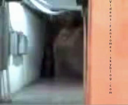 Le fantôme de Cali • Partie 2 • Durée : 2 min 04 Lieu : Cali, Colombie Année :  Mai 2008 Type : Amateur