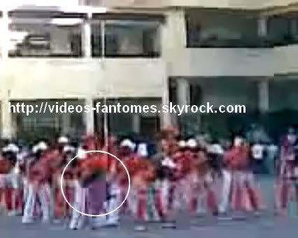 Le fantôme du spectacle Durée : 34 sec Lieu : Collège Santa Maria, Venezuela Année :  2008 Type : Amateur