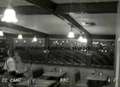 Le fantôme dans le café Durée : 15 sec Lieu : Coral Cafe, Burbank, Californie, États-Unis  Année :  2006 Type : Vidéo surveillance