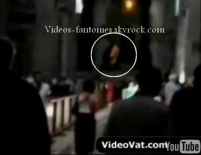 Fantômes dans une église du Vatican Durée : 1 min 58 Lieu : Vatican Année :  2006 Type : Amateur