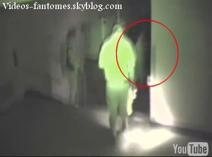 Un fantôme dans une gare Durée : 4 sec Lieu : États-Unis Année :  2006 Type : Amateur