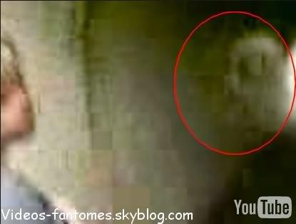 Un fantôme dans le métro Durée : 1 min 17 Lieu : Royaume-Uni Année :  2006 Type : Amateur