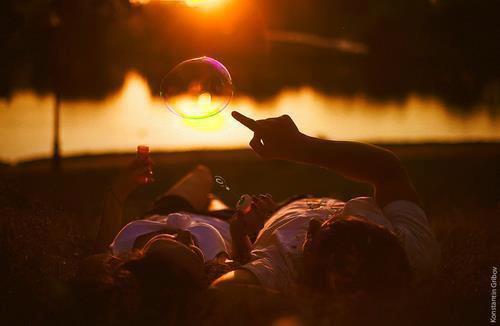Les meilleurs et les plus belles choses du monde ne peuvent être vues ni même touchées. Elles doivent êtres ressenties avec le c½ur.