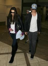 Nina et Ian a l'aéroport