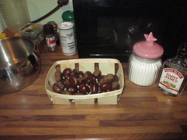 Préparation de marrons glacé pour Noël -pas encore fini encore 1 ou 2 jours ^^