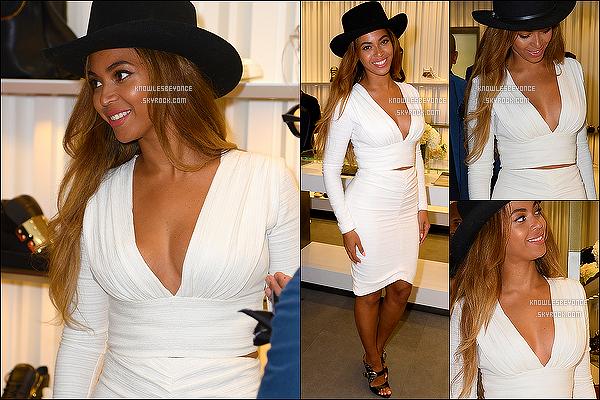 - 14/04/15 : Beyonce Knowles se trouvant à l'ouverture de la marque « Giuseppe Zanotti », à Beverly Hills. Notre queen B' a fais un bon choix vestimentaire, j'adore ! Information : Beyonce sera sur le nouvel album de Drake. Alors ravis? -