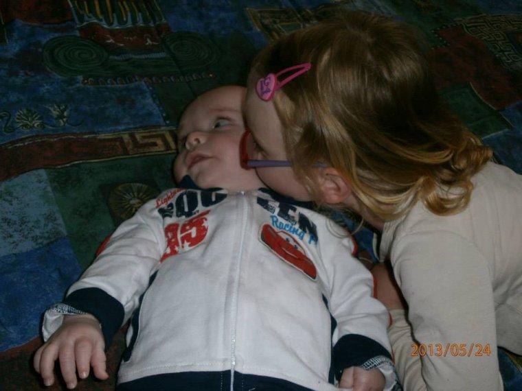 ma filles savanah bientot 5 ans et mon fils noham bientot 5 mois