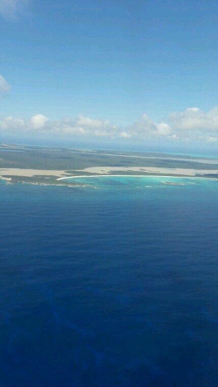 Arrivee a destination pour les vacances descente avion 31 degre coup chaud d un seul coup