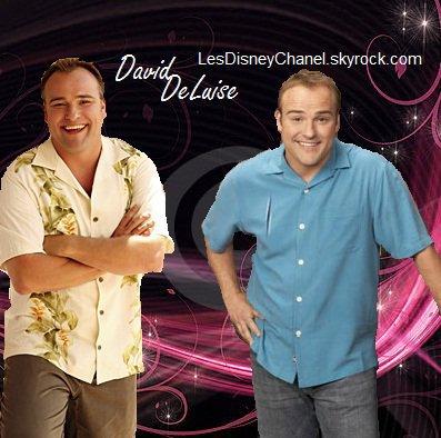 Les Sorciers de Waverly Place : David DeLuise / Jerry Russo