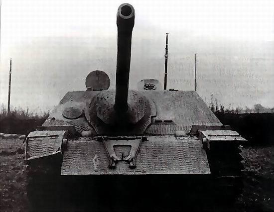 JAGDPANZER IV  VS  STURMGESCHUTZ III