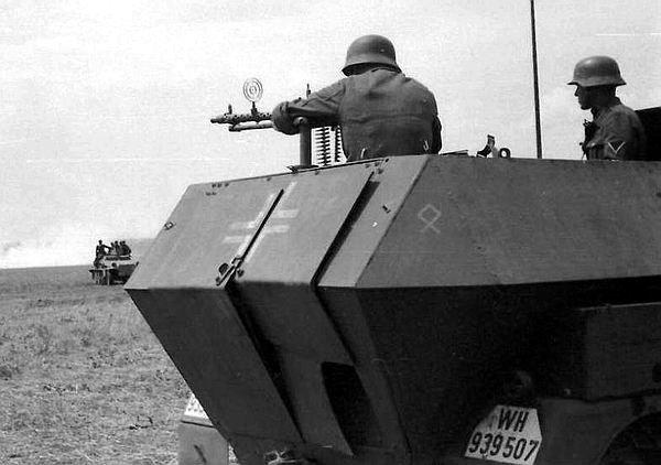 Schutzenpanzerwagen Sonderkraftahrzeug 251 ( Sd.Kfz. 251 ) de A a Z