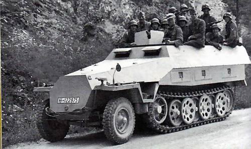 Le SD.Kfz.251 Ausf.D.ou la production de masse