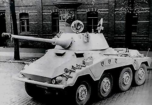 Le Sd.Kfz 234 Puma ( sur la traces d un aute fauve que le Tigre )