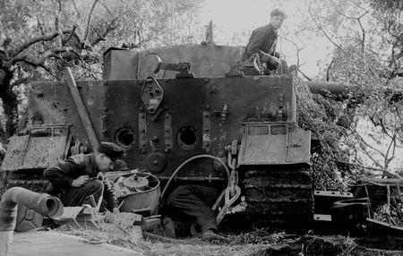 les mécanos de l 'impossible des schwere panzer- abteilung ( suite )