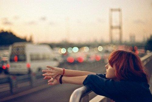 • La distance n'est rien quand la personne est tout.  •