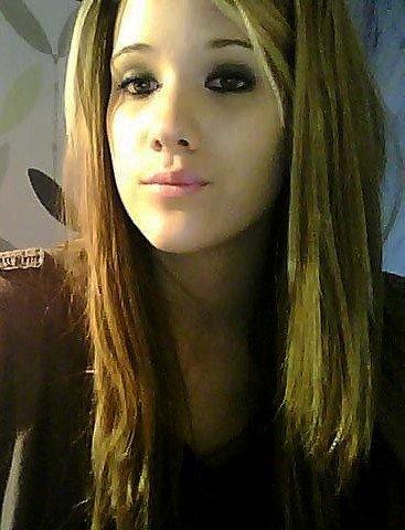 Léa ; 16 an ; Célibataiiire ;