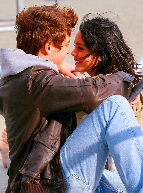 Article n°9 _________________Zac & Vanessa ♥