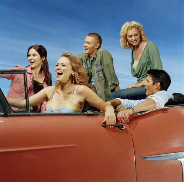 Article n°19 _________________Sophia, Bethany, Chad, James & Hilarie ♥
