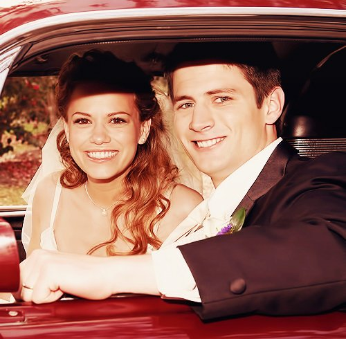 Article n°48 _________________Nathan & Haley ♥