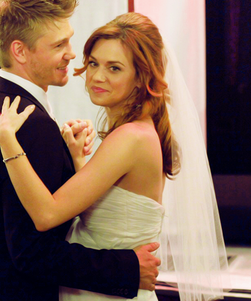 Article n°54 _________________Lucas & Peyton ♥
