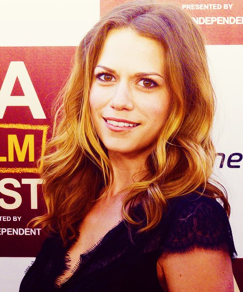 Article n°73 _________________Bethany Joy Lenz ♥